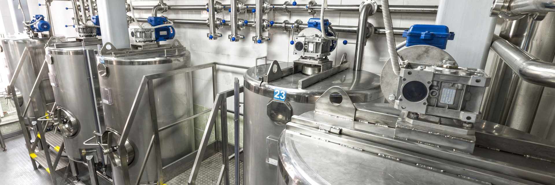 Stainless steel liquid mixing equipment, an important scale up consideration