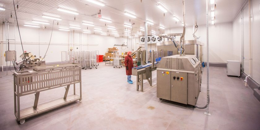| The new facility accommodates raw materials receiving and freeze-dried pet food manufacturing.